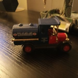 Vintage Mobiloil truck